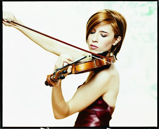 Erika Raum ANDREW KWAN ARTISTS MANAGEMENT Toronto ERIKA RAUM Violin