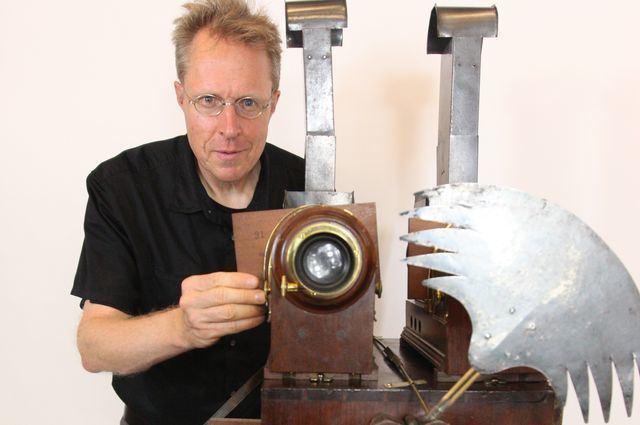 Erkki Huhtamo Scholar revives antiquated media machines for digitalage audiences