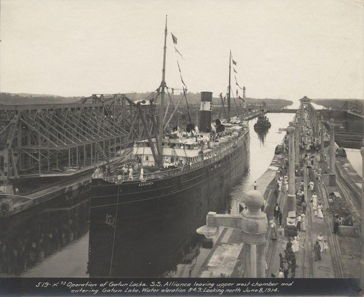 Ernest Hallen Building the Panama CanalPhotographs by Ernest Hallen Museum of