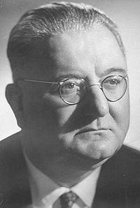 Ernest Koliqi httpsuploadwikimediaorgwikipediasqthumb0