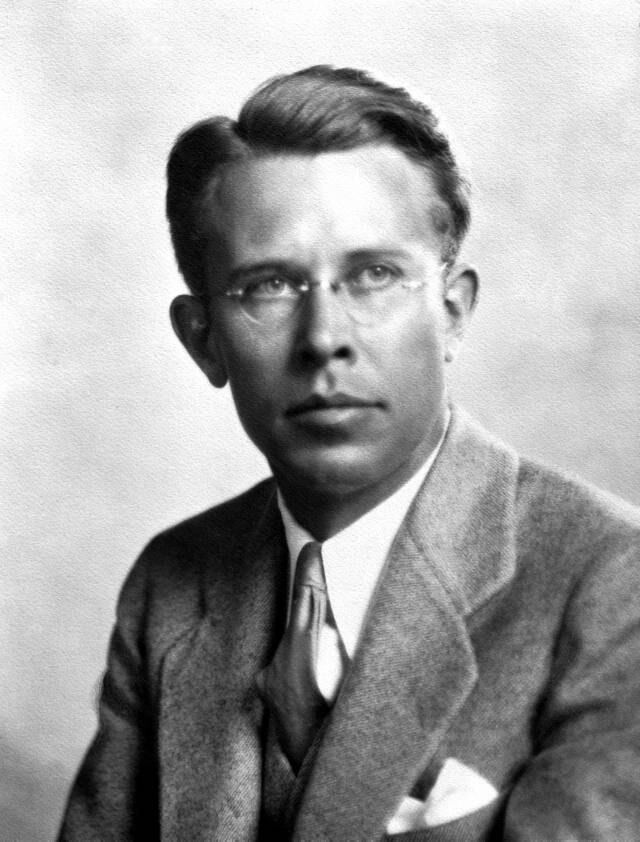 Ernest Lawrence Lawrence Ernest The Free Information Society