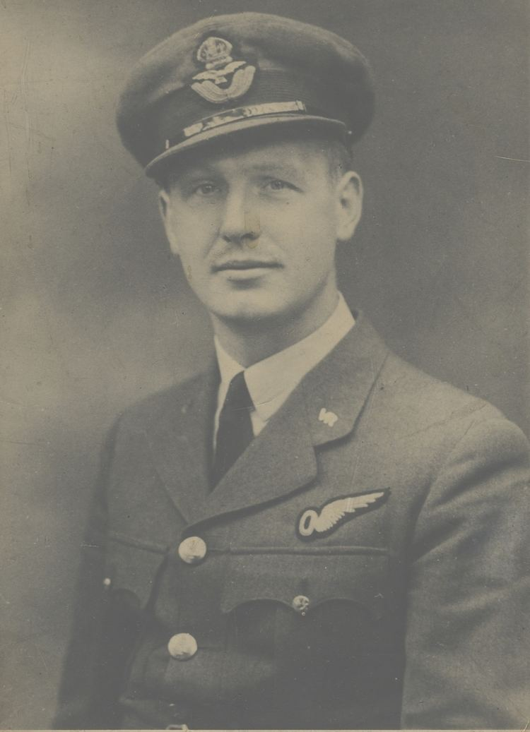 Ernest Woodhead DC 101E Ernest Woodhead Pilot Officer RAF Plodd in the Square Mile