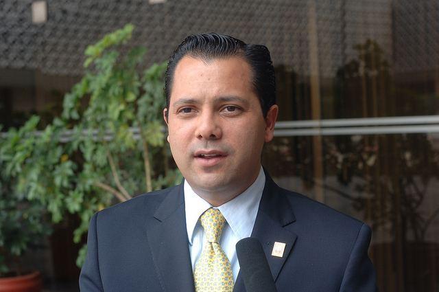 Ernesto de Lucas Hopkins Primera baja del gobierno de EPN Renuncia Ernesto De