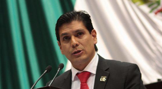 Ernesto Núñez Aguilar Ilegal la entrega de notaras a la esposa de Ernesto Nez y Juan
