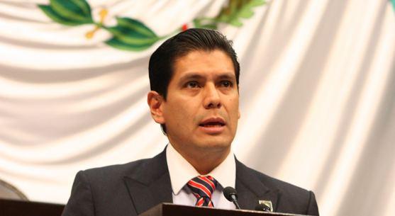 Ernesto Núñez Aguilar Por corrupto recaban firmas para quitar diputacin a Ernesto Nez