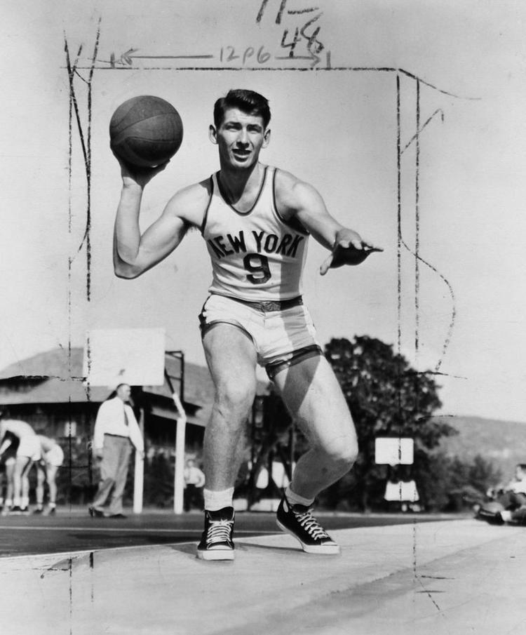 Ernie Vandeweghe Ernie Vandeweghe former Knick dead at 86 Sports Live Zone