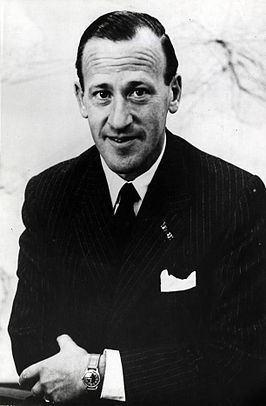 Ernst van der Beugel httpsuploadwikimediaorgwikipediacommonsthu