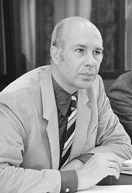 Erwin Nypels httpsuploadwikimediaorgwikipediacommonsthu