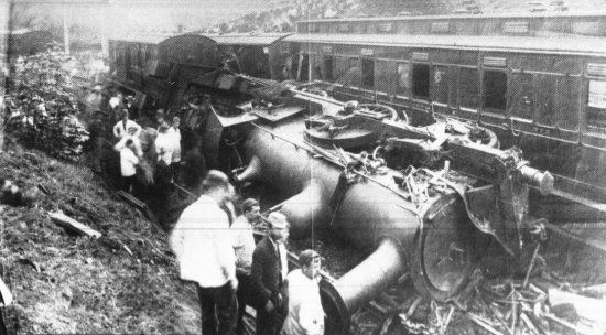 Esholt Junction rail crash