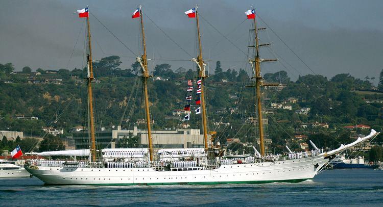 Esmeralda (BE-43) FileUS Navy 060602N1328S032 Chilean ship La Esmeralda BE 43 ex