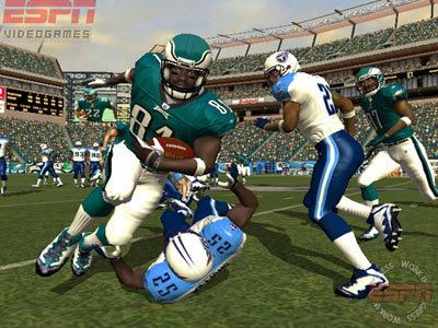 ESPN NFL 2K5 GameSpy Madden 2005 VS ESPN NFL 2K5 Page 1