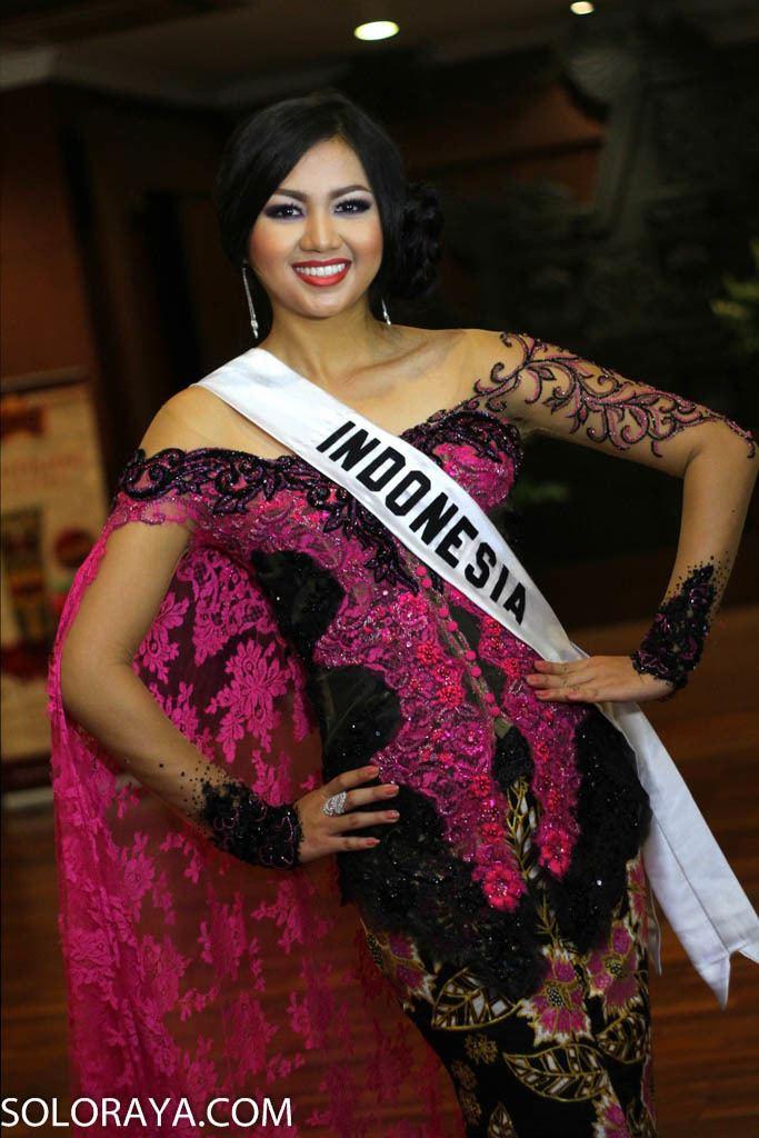 Estelita Liana Cantiknya Estelita pakai kostum Warrior Princess of Borneo