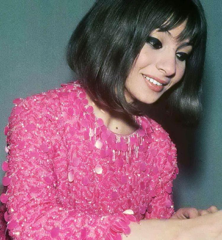 Esther Ofarim httpsuploadwikimediaorgwikipediacommons99