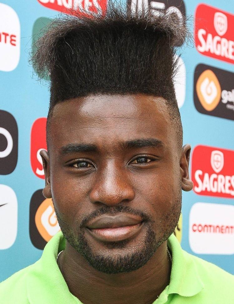 Estrela (footballer) httpstmsslakamaizednetimagesportraitorigi