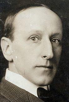 Etienne Girardot httpsuploadwikimediaorgwikipediacommonsthu