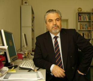 Eugen Munteanu httpsuploadwikimediaorgwikipediacommonsthu