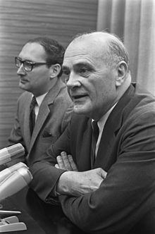 Eugene Carson Blake httpsuploadwikimediaorgwikipediacommonsthu