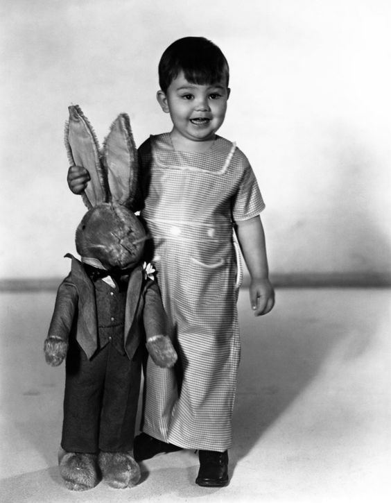 Eugene Gordon Lee Eugene Gordon Lee was an American child actor most notable for