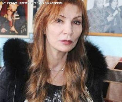 Eugenia Davitashvili Vietinfo Nh ngoi cm huyn b ni ting nc Nga