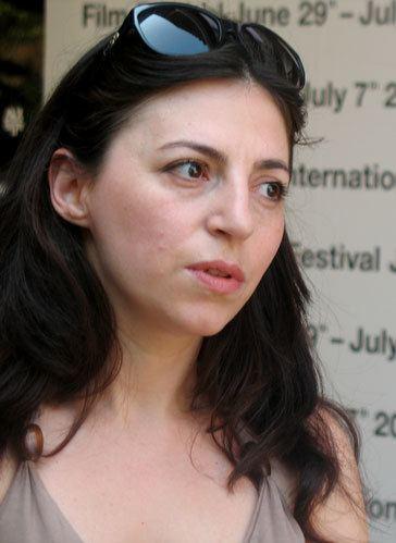 Eva Neymann eyeonfilmsorgwpcontentuploads201210HouseDi