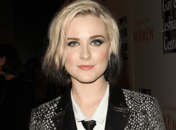 Evan Rachel Wood Evan Rachel Wood spotted making out with a popular TV actress