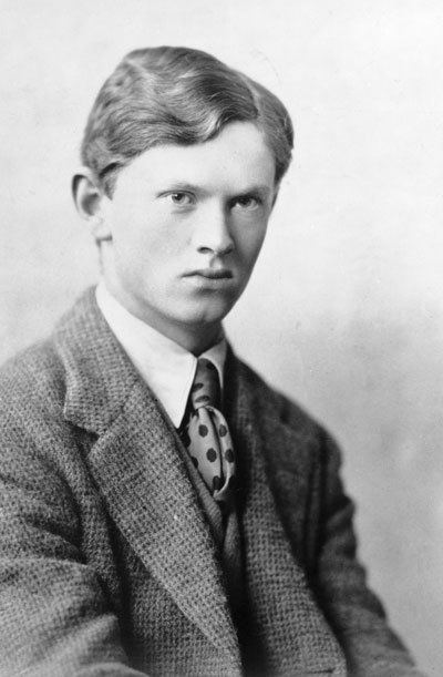 Evelyn Waugh Evelyn Waugh A Biography39 by Selina Hastings review