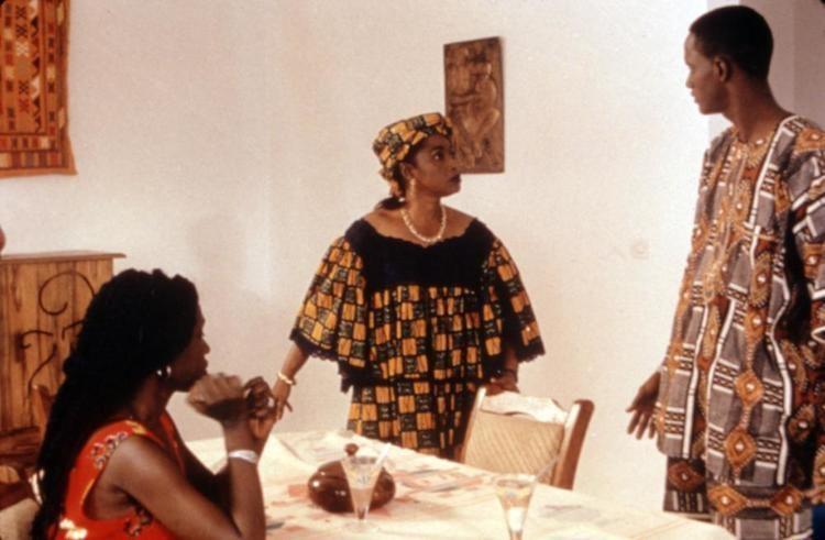 Faat Kine movie scenes FAAT KINE Mame Ndoumbe Venus Seye Ndiagne Dia 2000 c