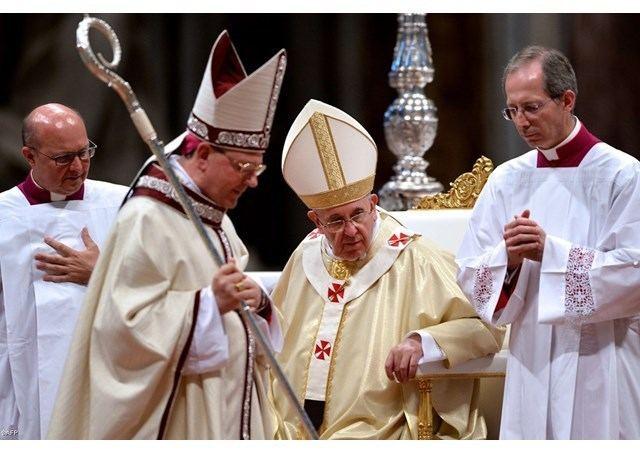 Fabio Fabene Papa al nuovo vescovo Fabio Fabene Veglia e servi il