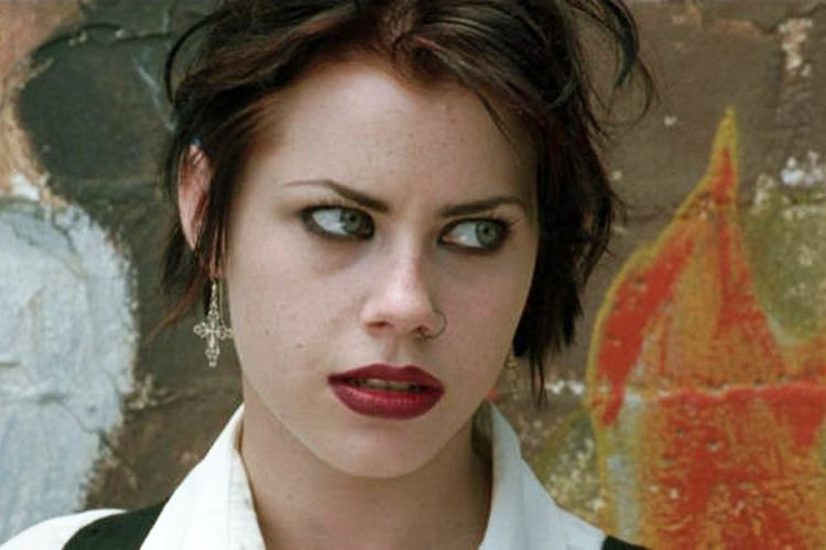 Fairuza Balk Fairuza Balk just weighed in on The Craft remake