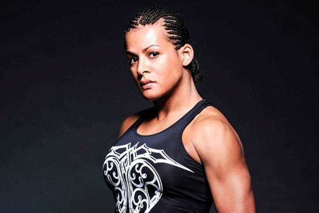 Fallon Fox Transgender MMA Fighter Destroys Female Opponent