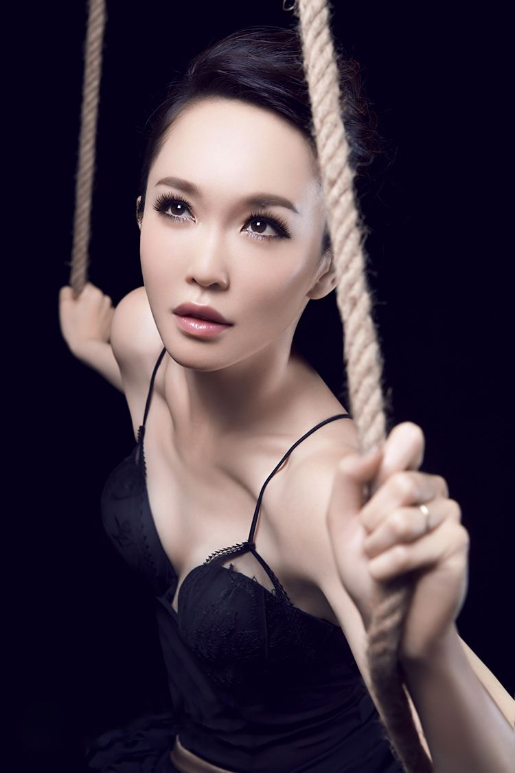 Celeb Free Nude Fann Wong Pictures Images