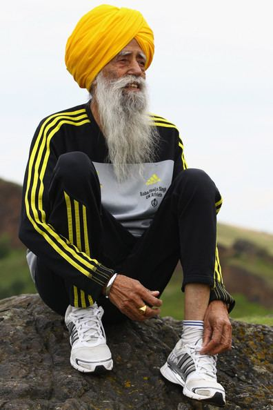 Fauja Singh The World39s Oldest Marathon Runner Fauja Singh Prepares