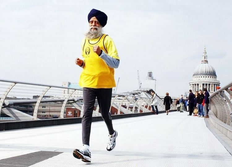 Fauja Singh Off and Running 101YearOld Fauja Singh is The World39s