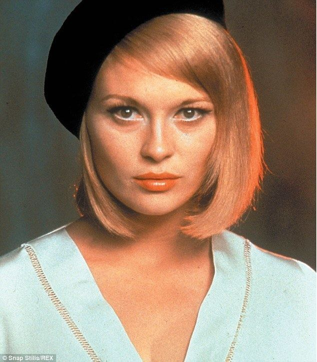 Faye Dunaway Faye Dunaway doesn39t let a cane slow her down during