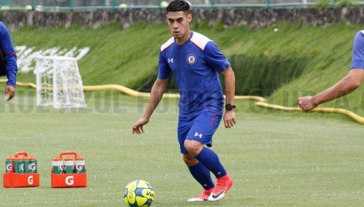 Felipe Mora Felipe Mora primer killer que llega completo a Cruz Azul RCORD