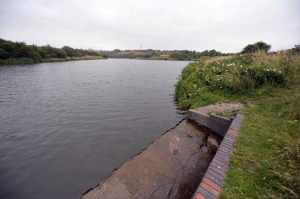 Fens Pools Warning in wake of Dudley Fens Pool drowning tragedy Birmingham Mail