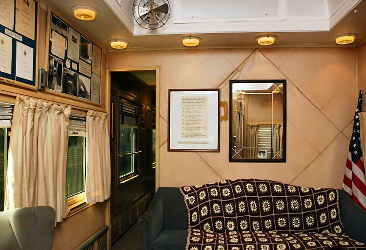 Ferdinand Magellan (railcar) FileMagellan Railcar Lounge1JPG Wikipedia