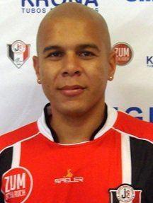 Fernando Alves Santa Clara wwwogolcombrimgjogadores0844808medfernand