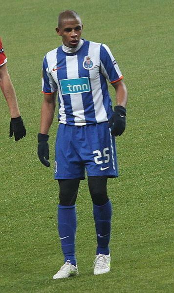 Fernando (Brazilian footballer, born 1987) httpsuploadwikimediaorgwikipediacommons11