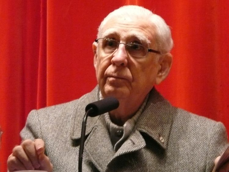 Fernando Cardenal httpsuploadwikimediaorgwikipediacommonscc