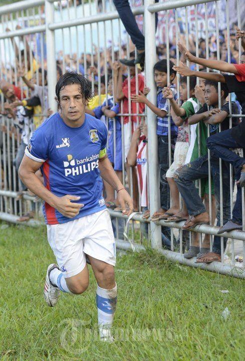 Fernando Gaston Soler Fernando Gaston Soler Luapkan Kegembiraan Usai Cetak Gol Foto 7