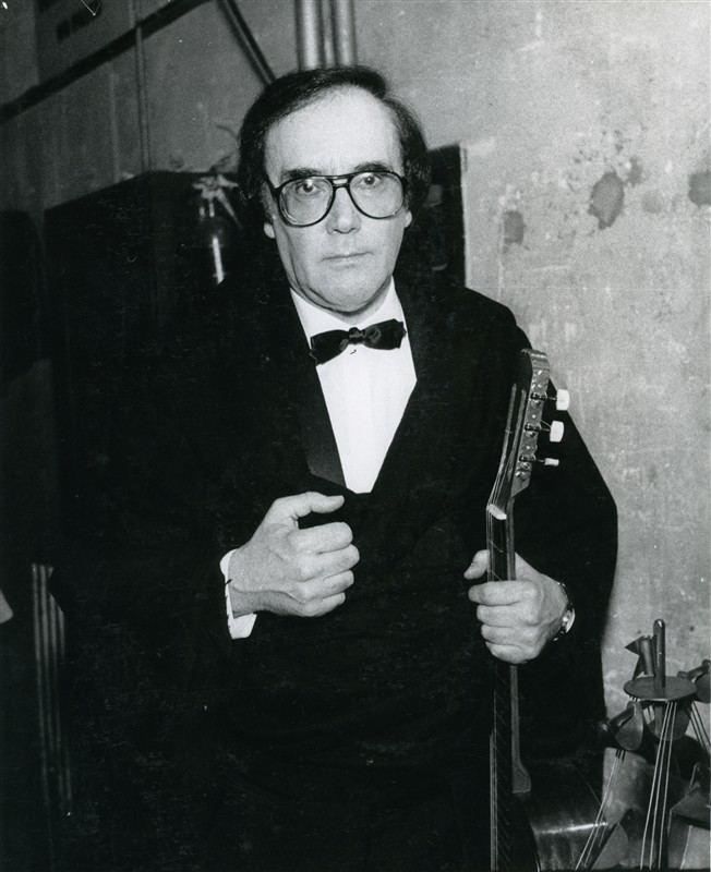 Fernando Machado Soares Morreu o cantor e compositor coimbro Fernando Machado