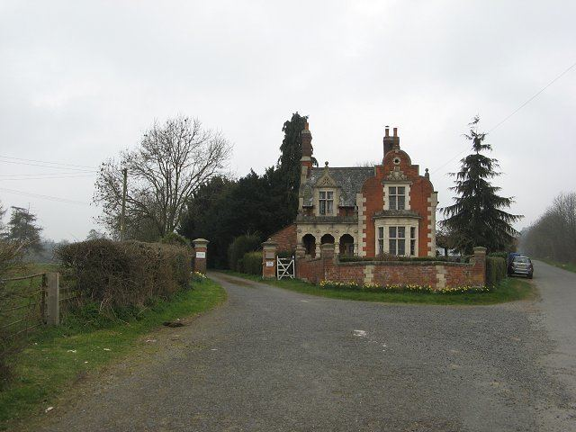 Ferney Hall A lodge Ferney Hall Richard Webb ccbysa20 Geograph Britain