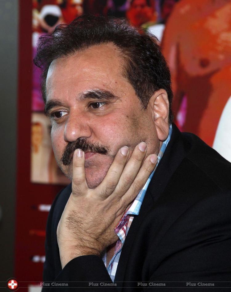 Feroz Abbas Khan Feroz abbas khan press conference on film dekh tamasha