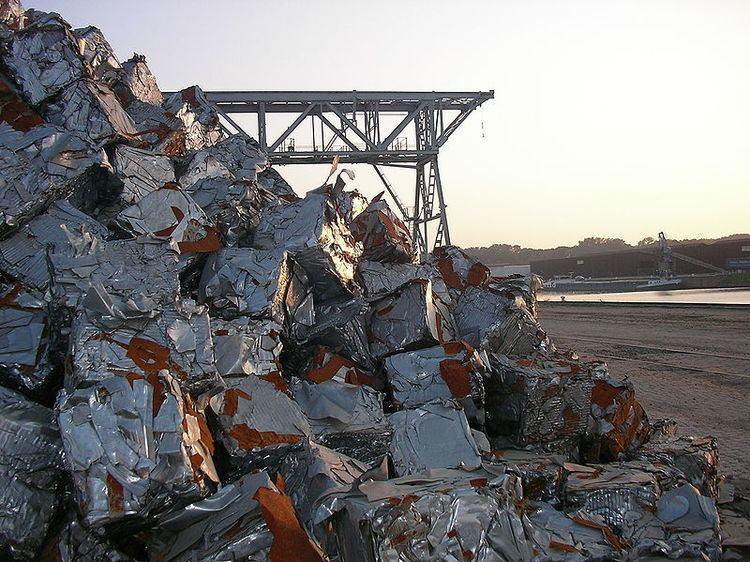 Ferrous metal recycling