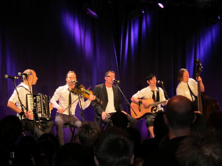 Fiddler's Green (band) httpsuploadwikimediaorgwikipediacommons55