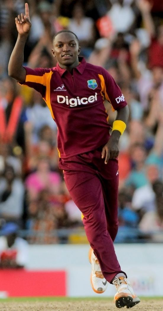 Fidel Edwards (Cricketer) playing cricket