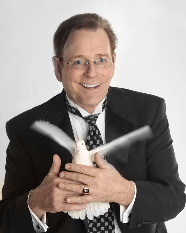 Fielding West Fielding West Comedy Magician Teacher Keynote Speaker