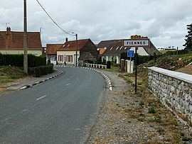 Fiennes, Pas-de-Calais httpsuploadwikimediaorgwikipediacommonsthu