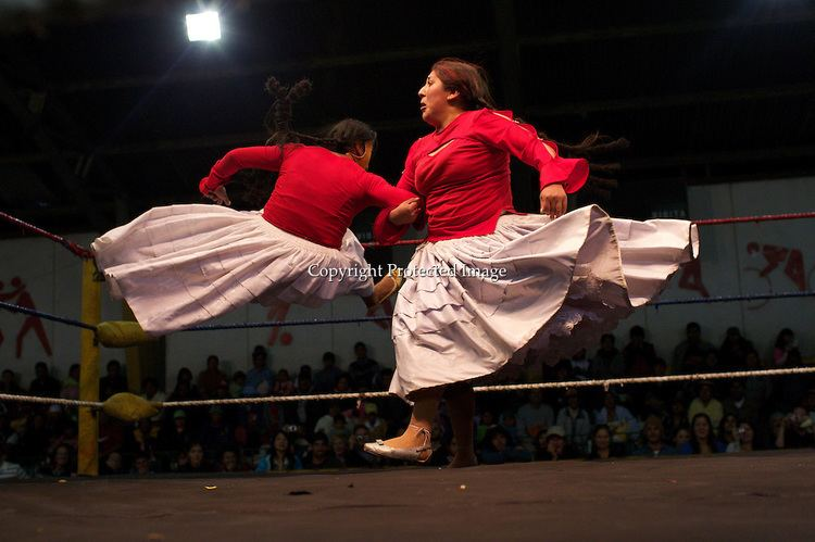 Fighting Cholitas The Fighting Cholitasquot Female Lucha Libre Wrestlers El Alto